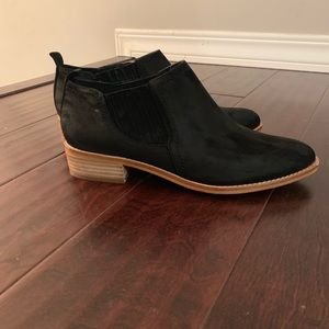 Aldo Suede Black booties